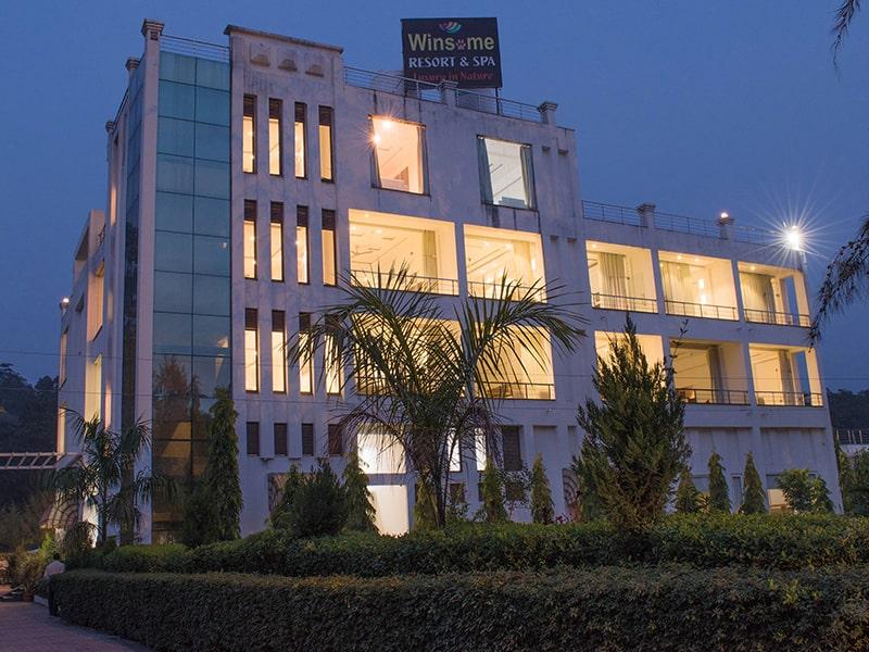 Corbett Winsome Resort & Spa