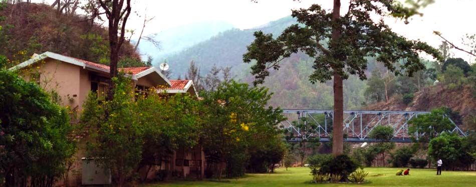 list of riverside resorts corbett