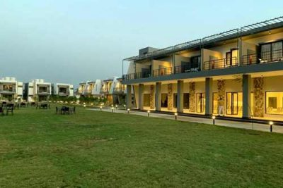 Corbett forest vines resort