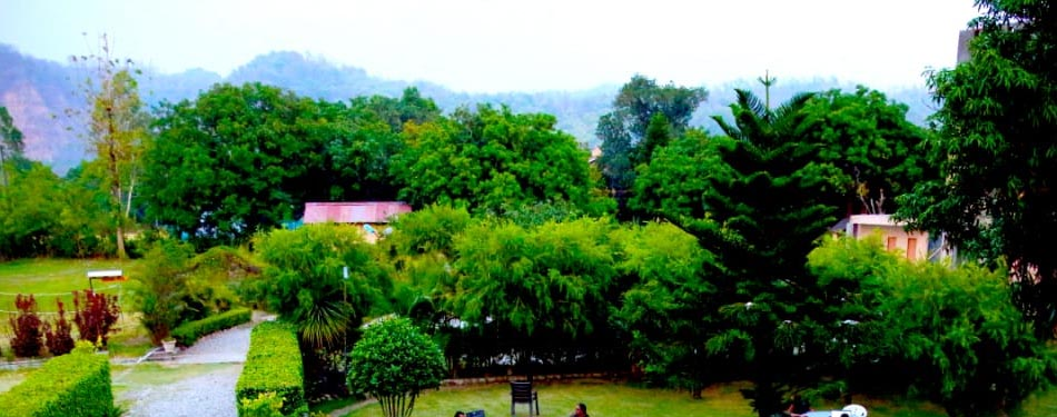 corbett 3 star resorts near river