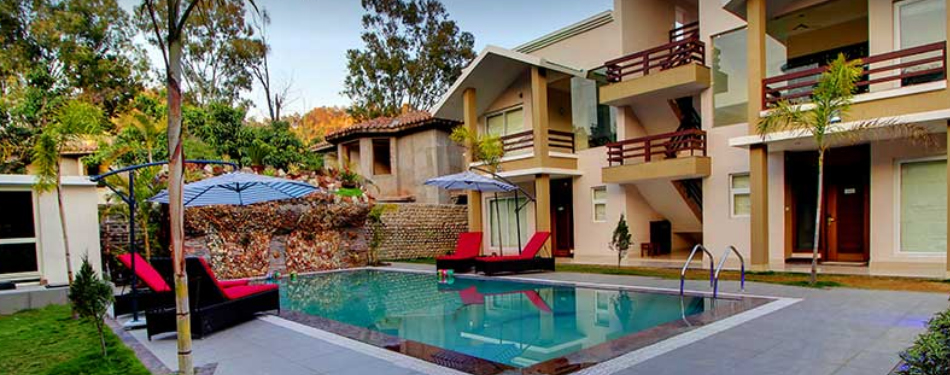 corbett resorts with person pool