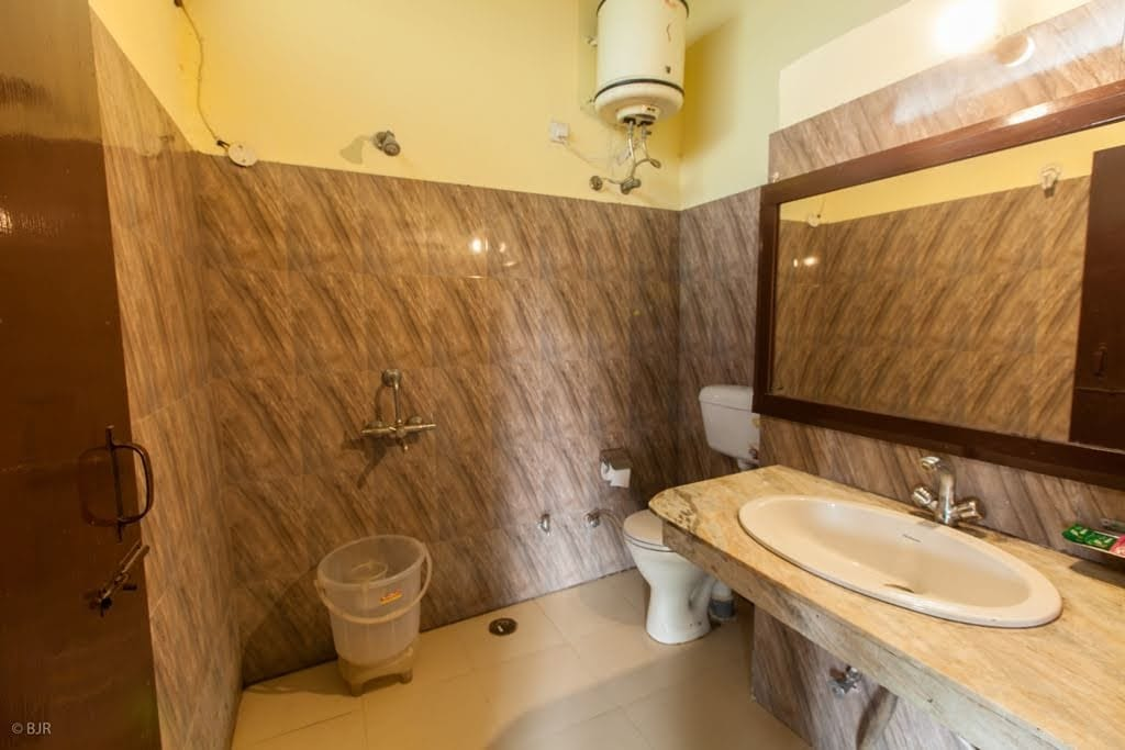 madhushala washrooms